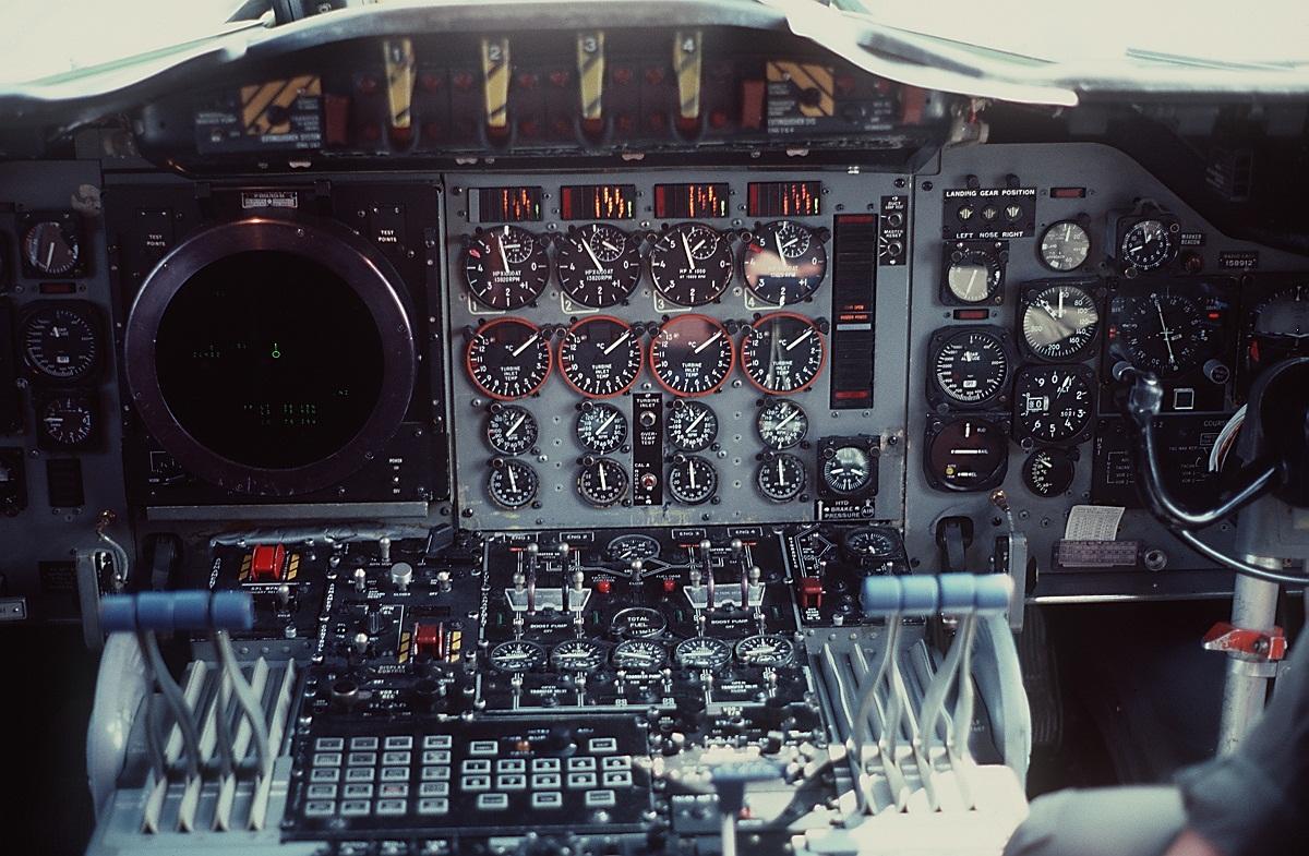 orion spacecraft cockpit - photo #7
