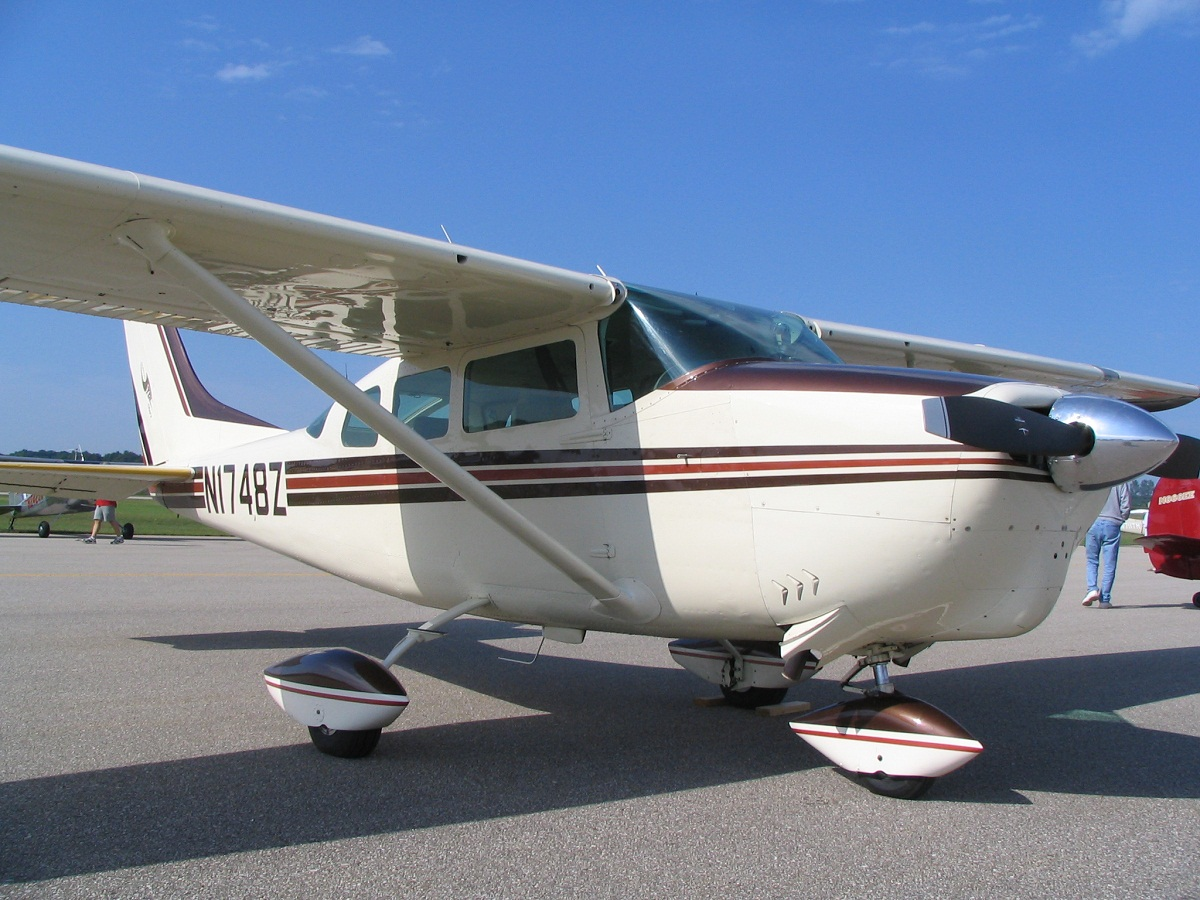Cessna 205 Technical Specs, History, Pictures | Aircrafts