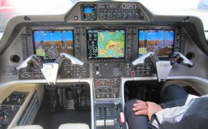 Cockpit of Embraer Phenom 300