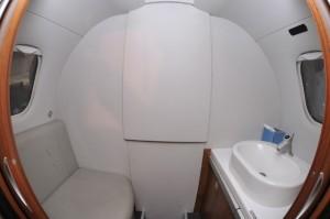 Embraer Phenom 300 Lavatory