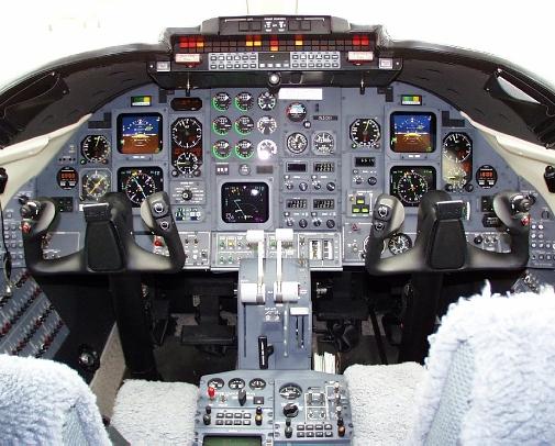 Learjet-31-Cockpit.jpg