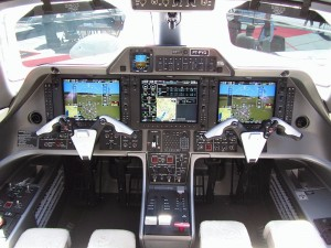 Cockpit of Embraer Phenom 100