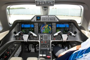 Inside Embraer Phenom 100 PT-FQB