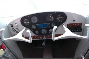 Cockpit of Cessna 140 and 120